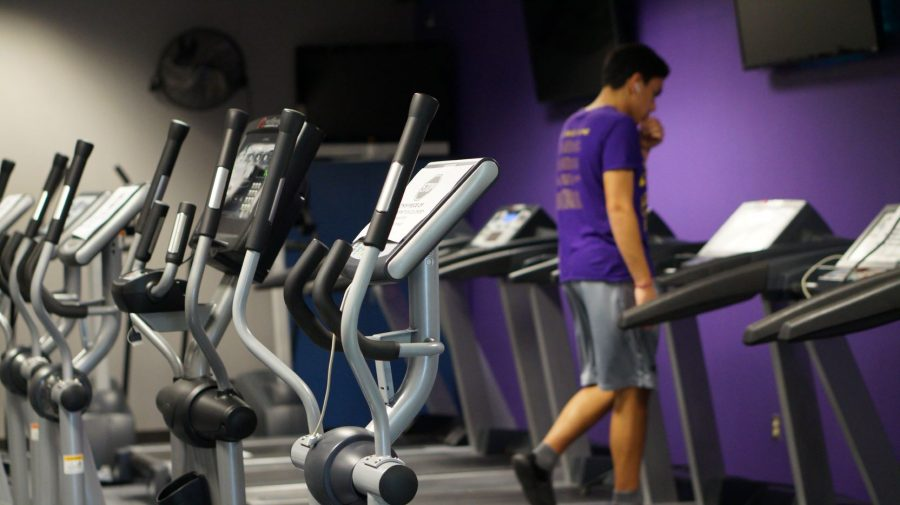 The+treadmills+in+gym+are+rarely+used+because+few+students+are+on+campus+with+hybrid+learning.